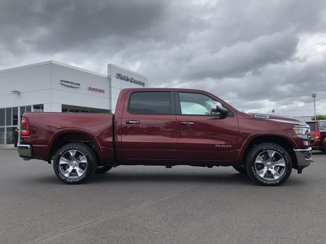 2019 Ram 1500 Crew Cab 4x4,  Pickup #097336 - photo 3