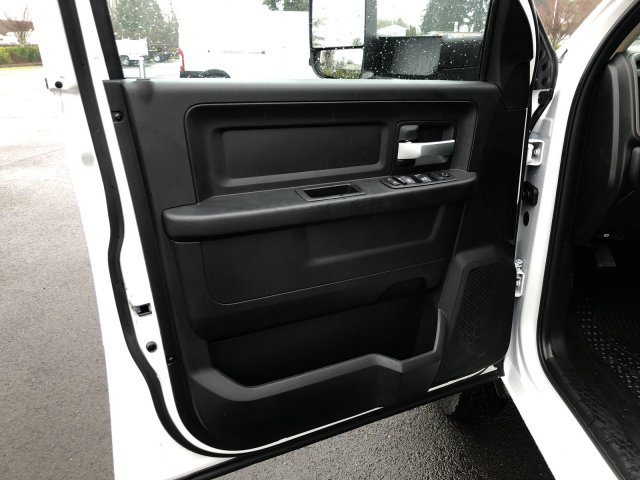 2019 Ram 3500 Crew Cab DRW 4x4, Harbor TradeMaster Service Body #097535 - photo 32