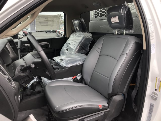 2020 Ram 5500 Regular Cab DRW 4x4, Knapheide KMT Mechanics Body #T0R175 - photo 18