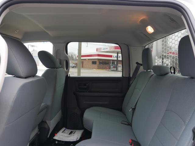 2018 Ram 5500 Crew Cab DRW 4x4,  Knapheide Aluminum PGNB Gooseneck Platform Body #218353 - photo 5