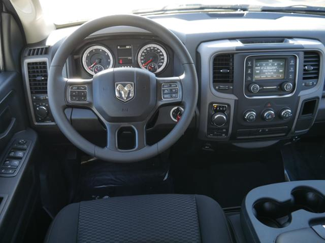 2019 Ram 1500 Crew Cab 4x4, Pickup #219117 - photo 6