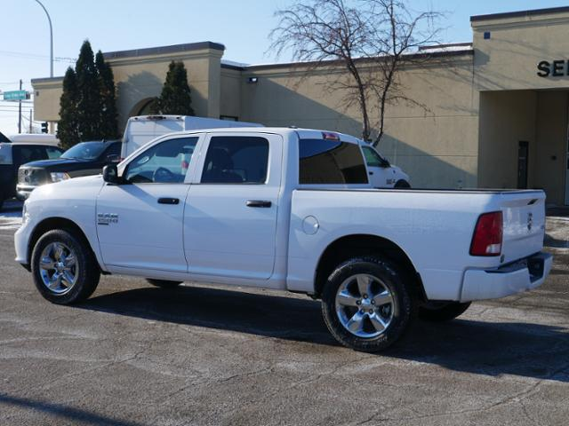 2019 Ram 1500 Crew Cab 4x4, Pickup #219149 - photo 2