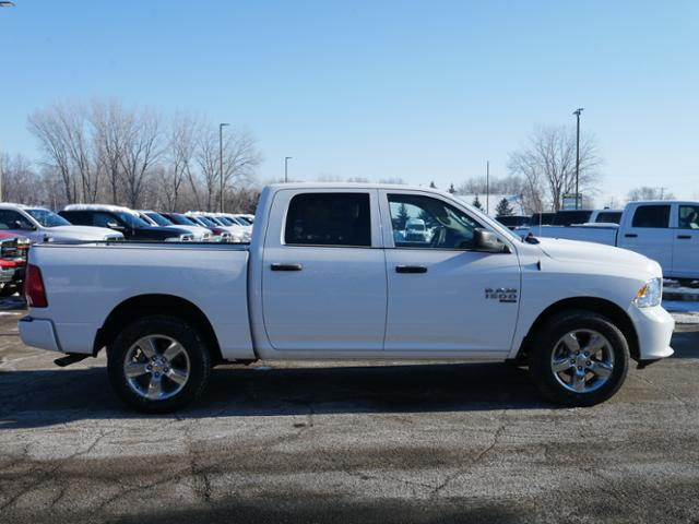 2019 Ram 1500 Crew Cab 4x4, Pickup #219149 - photo 3
