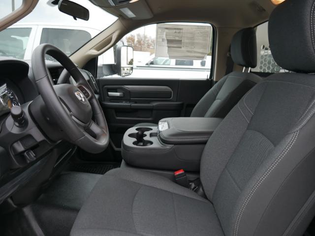 2019 Ram 3500 Regular Cab DRW 4x4,  Knapheide Aluminum PGNB Gooseneck Platform Body #219299 - photo 5