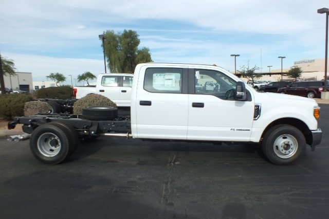 2017 F-350 Crew Cab DRW Cab Chassis #FH1217 - photo 2