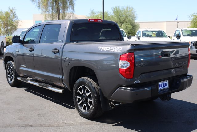 2017 Toyota Tundra Crew Cab 4x4, Pickup #FL1848A - photo 2
