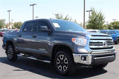 2017 Toyota Tundra Crew Cab 4x4, Pickup #FL1848A - photo 4