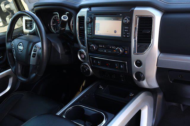 2018 Nissan Titan Crew Cab 4x4, Pickup #FM317A - photo 10