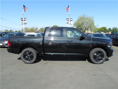 2018 Ram 1500 Crew Cab 4x4, Pickup #2010R-8 - photo 9