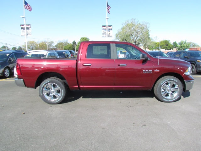 2018 Ram 1500 Crew Cab 4x4, Pickup #2012R-8 - photo 9