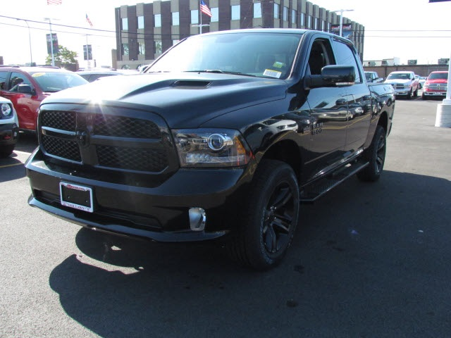 2018 Ram 1500 Crew Cab 4x4 Pickup #2032R-8 - photo 4