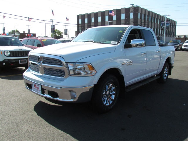 2018 Ram 1500 Crew Cab 4x4 Pickup #2033R-8 - photo 4