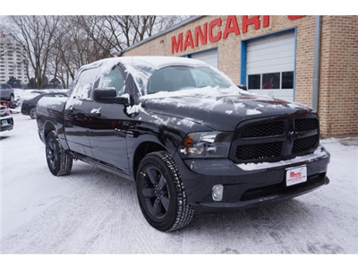2018 Ram 1500 Crew Cab 4x4, Pickup #2082R-8 - photo 3