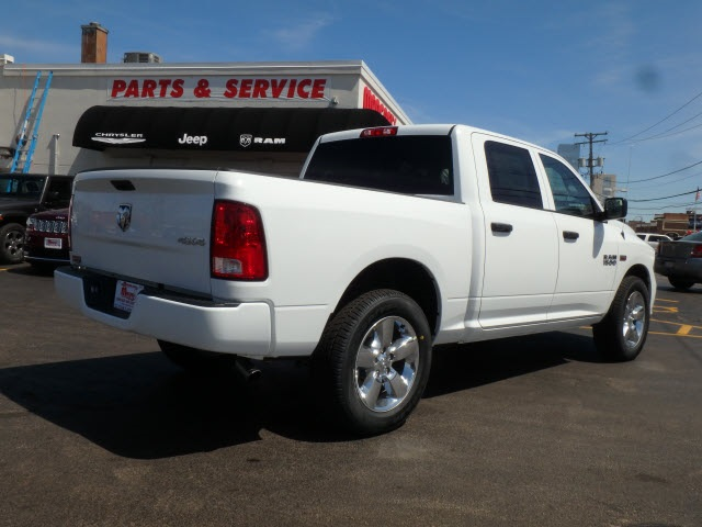 2018 Ram 1500 Crew Cab 4x4, Pickup #2091R-8 - photo 2