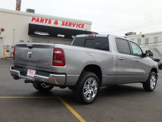 2019 Ram 1500 Crew Cab 4x4, Pickup #22007R-9 - photo 2