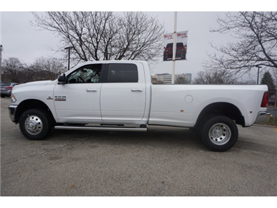 2018 Ram 3500 Crew Cab DRW 4x4, Pickup #6030R-8 - photo 7