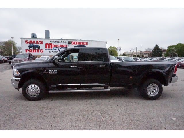 2017 Ram 3500 Crew Cab DRW 4x4 Pickup #66008R-7 - photo 5
