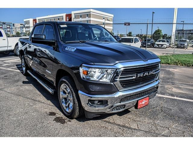 2019 Ram 1500 Crew Cab 4x2,  Pickup #KN888917 - photo 3