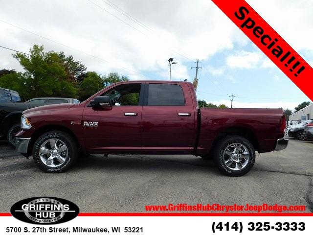 2018 Ram 1500 Crew Cab 4x4,  Pickup #418470 - photo 5