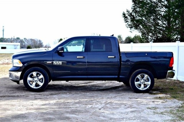 2017 Ram 1500 Crew Cab 4x4, Pickup #J7325 - photo 5