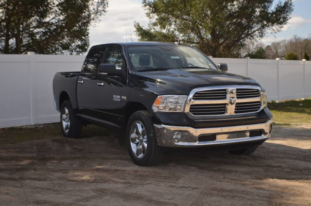 2017 Ram 1500 Crew Cab 4x4 Pickup #J7353 - photo 4