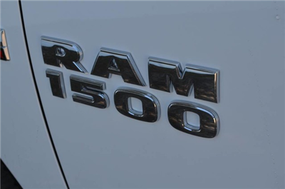 2017 Ram 1500 Crew Cab 4x4 Pickup #J7357 - photo 9