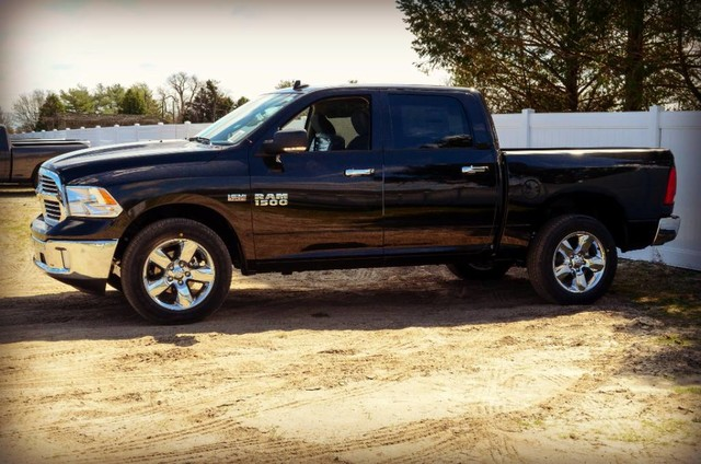 2017 Ram 1500 Crew Cab 4x4, Pickup #J7365 - photo 5
