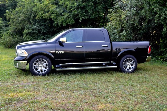 2017 Ram 1500 Crew Cab 4x4 Pickup #J7569 - photo 5