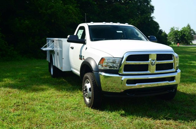 2017 Ram 5500 Regular Cab DRW 4x4, Reading Classic II Steel Service Body #J7571 - photo 4