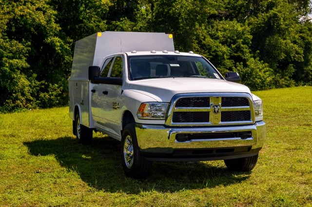 2017 Ram 3500 Crew Cab 4x4, Reading Panel and Tapered Panel Body Service Body #J7610 - photo 4