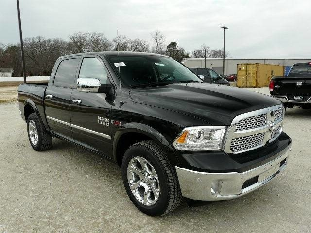 2017 Ram 1500 Crew Cab 4x4, Pickup #J7646 - photo 1