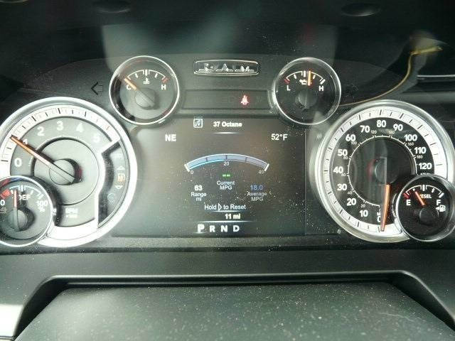 2017 Ram 1500 Crew Cab 4x4, Pickup #J7646 - photo 9