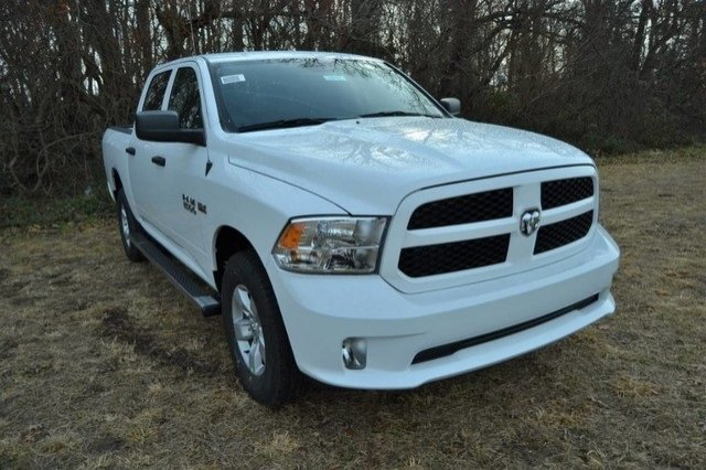 2018 Ram 1500 Crew Cab 4x4,  Pickup #J8140 - photo 3