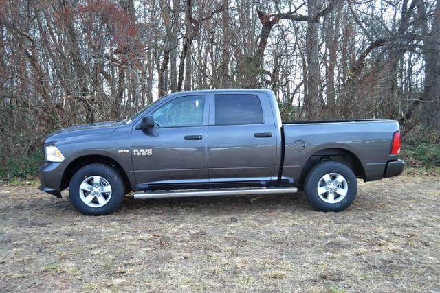 2018 Ram 1500 Crew Cab 4x4, Pickup #J8141 - photo 5
