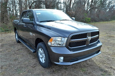 2018 Ram 1500 Crew Cab 4x4, Pickup #J8141 - photo 3
