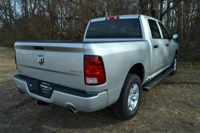 2018 Ram 1500 Crew Cab 4x4, Pickup #J8142 - photo 4
