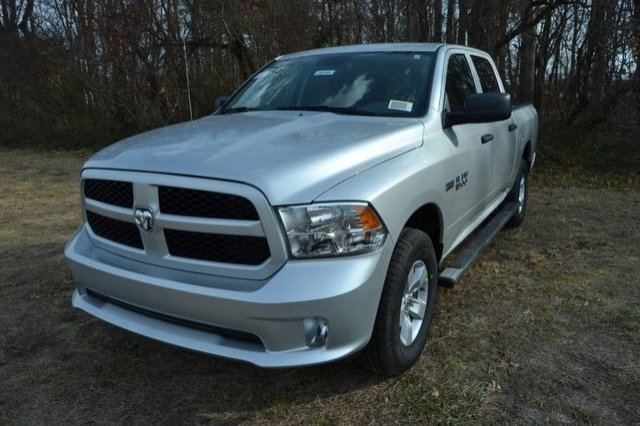 2018 Ram 1500 Crew Cab 4x4, Pickup #J8142 - photo 1