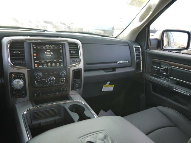 2017 Ram 1500 Crew Cab 4x4 Pickup #18418 - photo 7