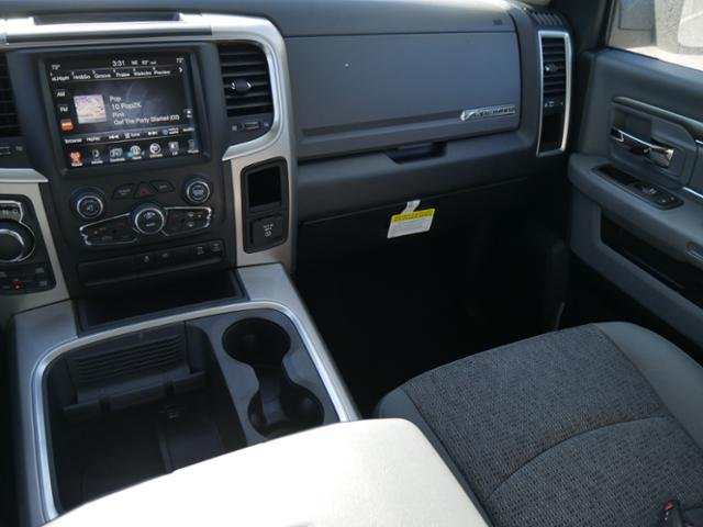 2017 Ram 1500 Crew Cab 4x4 Pickup #N180289 - photo 7