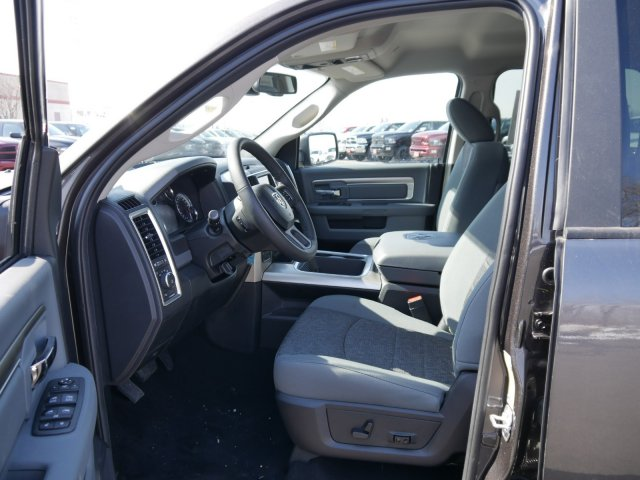 2018 Ram 1500 Crew Cab 4x4, Pickup #N28410 - photo 3