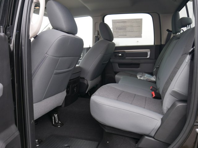 2018 Ram 1500 Crew Cab 4x4, Pickup #N28465 - photo 4