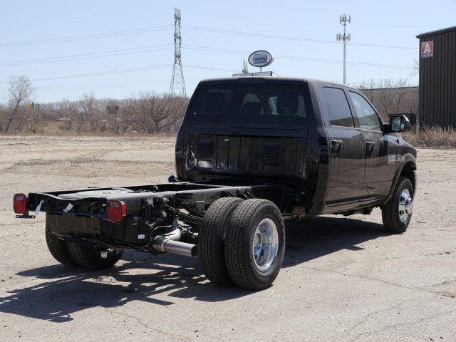 2018 Ram 3500 Crew Cab DRW 4x4,  Cab Chassis #N28559 - photo 2
