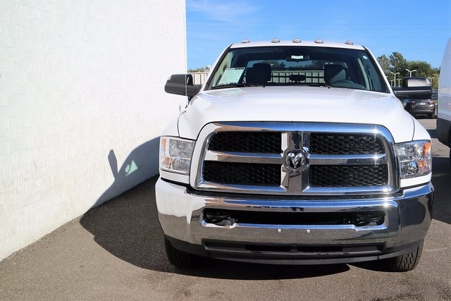 2017 Ram 3500 Crew Cab DRW 4x4, Monroe Platform Body #M170428 - photo 4