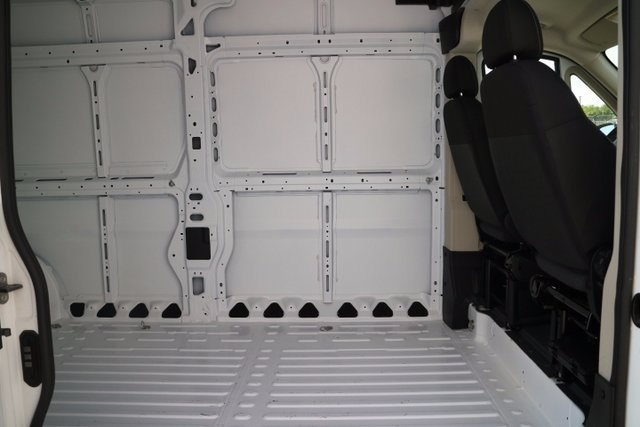 2017 ProMaster 2500 High Roof, Cargo Van #M17559 - photo 32