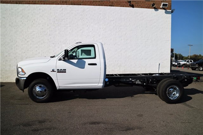 2018 Ram 3500 Regular Cab DRW, Cab Chassis #M18075 - photo 3