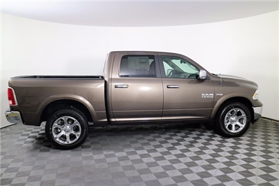 2018 Ram 1500 Crew Cab 4x4 Pickup #M18094 - photo 5