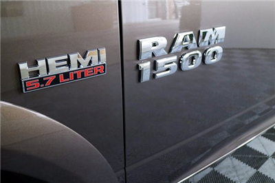2018 Ram 1500 Crew Cab 4x4 Pickup #M18094 - photo 9