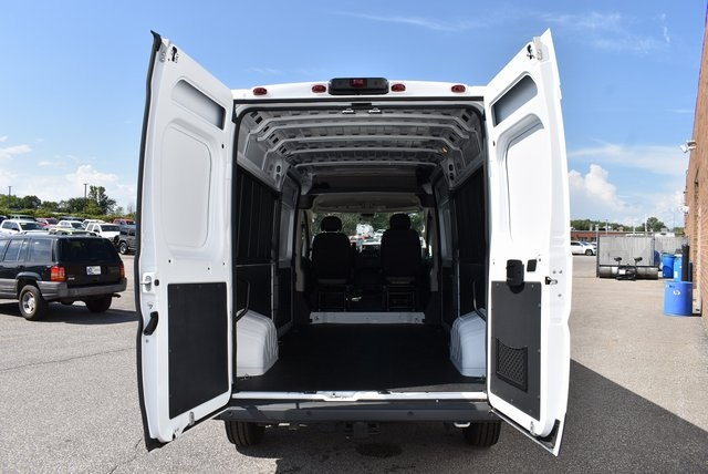 2018 ProMaster 2500 High Roof FWD,  Empty Cargo Van #M181147 - photo 2