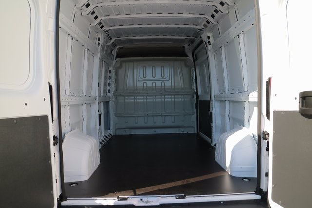 2018 ProMaster 2500 High Roof 4x2,  Empty Cargo Van #M18123 - photo 2