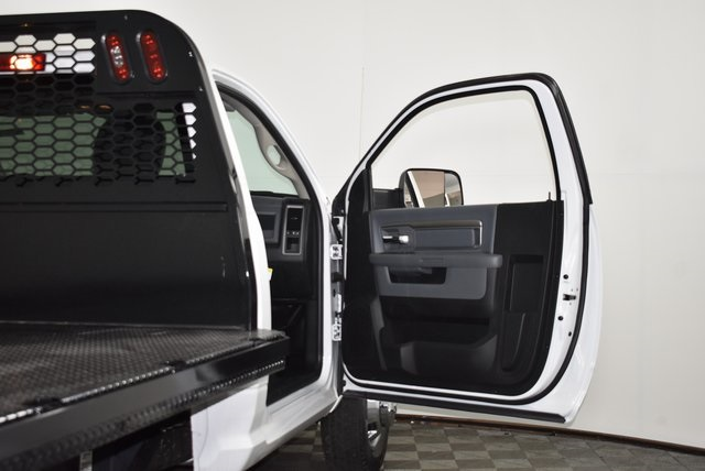 2018 Ram 3500 Regular Cab DRW 4x2,  Knapheide Platform Body #M181253 - photo 19